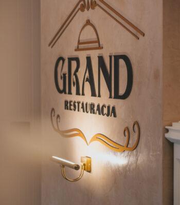 Grand-07906